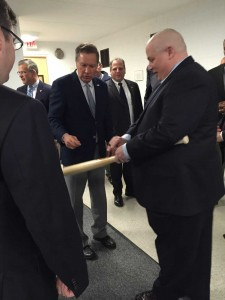 Randy gets past security to obtain presidential wannabe John Kasich's signature