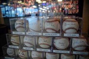 baseballs_roderickleonhard_161101_0